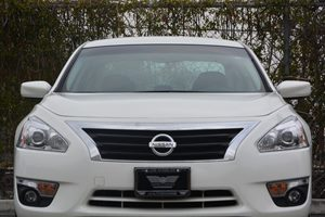 2015 Nissan Altima 25 SV  White 17047 Per Month -ON APPROVED CREDIT---  ---  See our