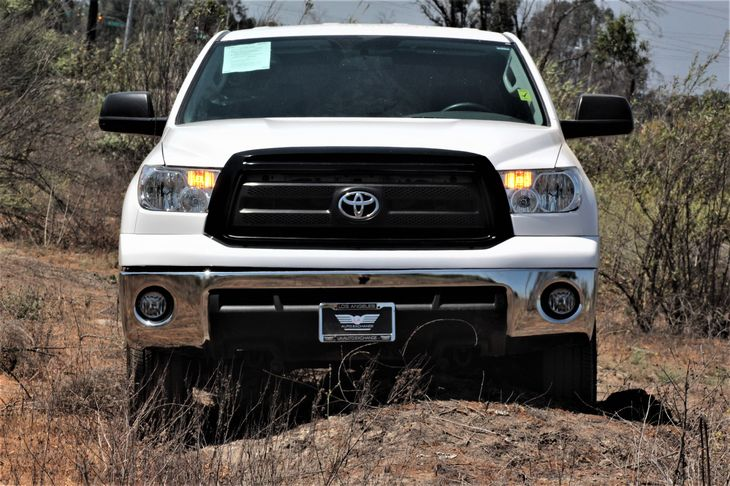 2013 Toyota Tundra 2WD Truck Grade  Super White  All advertised prices exclude government fees