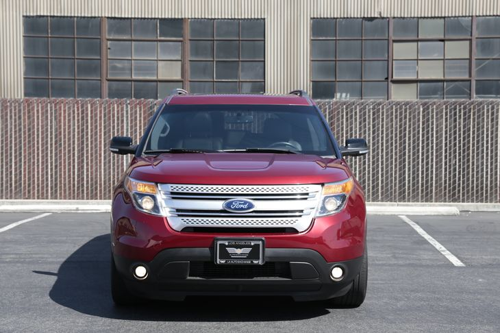 2015 Ford Explorer XLT Air Conditioning Multi-Zone AC Audio AmFm Stereo Audio Auxiliary Aud