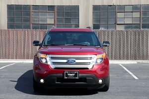 2015 Ford Explorer XLT  Ruby Red Metallic Tinted Clearco 307 Per Month -ON APPROVED CREDIT--