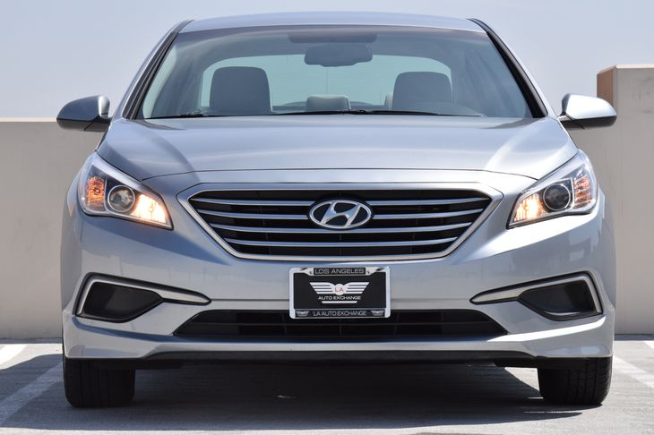 2016 Hyundai Sonata SE  Shale Gray Metallic TAKE ADVANTAGE OF OUR PUBLIC WHOLESALE PRICING GO