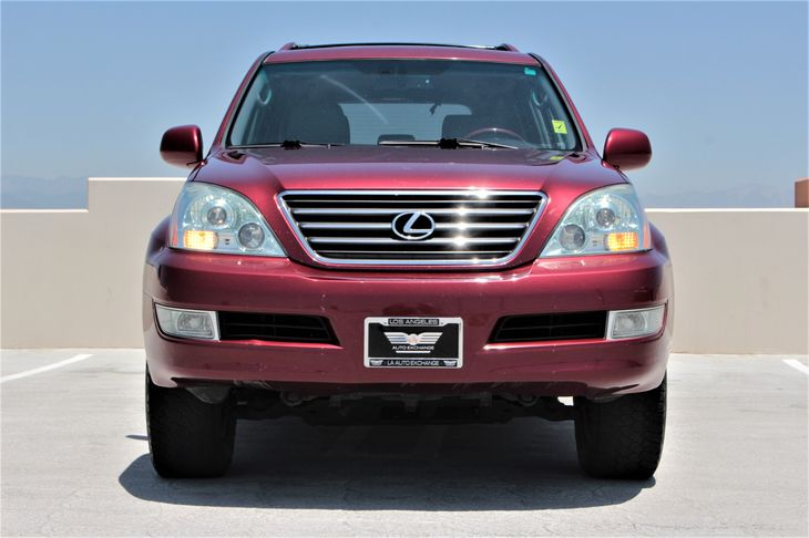 2008 Lexus GX 470 Base Chrome Door Handles Color-Keyed FrontRear Bumpers Color-Keyed Grill WCh