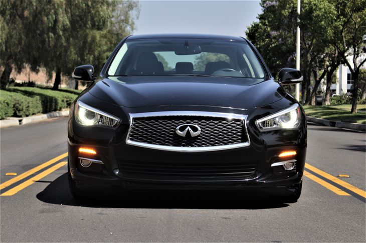 2015 INFINITI Q50 Premium Convenience Remote Trunk Release Locks Keyless Entry Passenger Capac