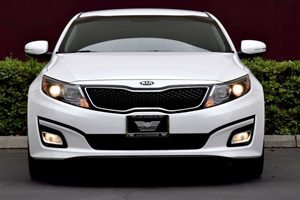 2015 Kia Optima LX  Snow White Pearl TAKE ADVANTAGE OF OUR PUBLIC WHOLESALE PRICING GOING ON