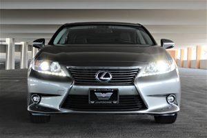 2015 Lexus ES 300h  Passenger Capacity 5 Silver TAKE ADVANTAGE OF OUR PUBLIC WHOLESALE PRICI