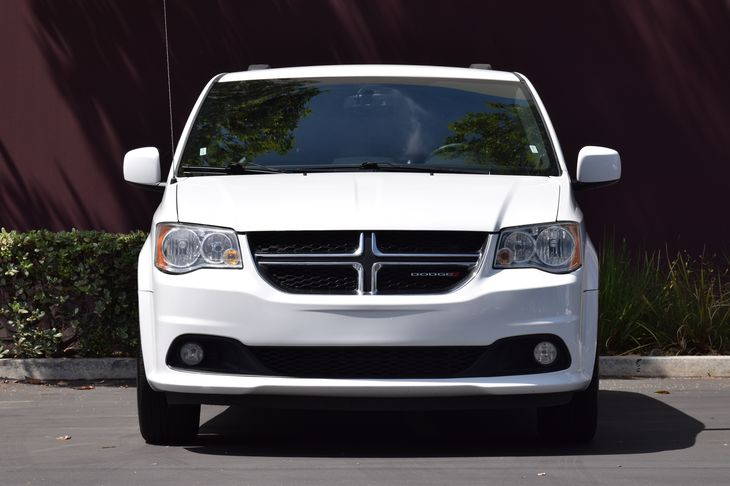 2017 Dodge Grand Caravan SXT  White Knuckle Clearcoat TAKE ADVANTAGE OF OUR PUBLIC WHOLESALE