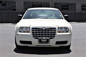 2007 Chrysler 300 Base Drivetrain Rear Wheel Drive Passenger Capacity 5 Sae Net Horsepower  R
