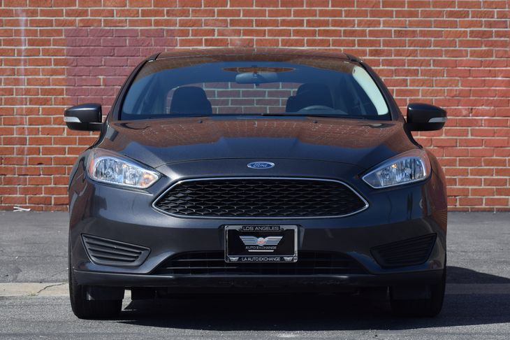 2016 Ford Focus SE  Gray TAKE ADVANTAGE OF OUR PUBLIC WHOLESALE PRICING GOING ON RIGHT NOW