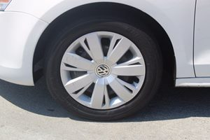 2014 Volkswagen Jetta Sedan SE PZEV  White          14911 Per Month - On Approved Credit