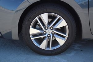 2014 Toyota Corolla LE Eco Plus Carfax 1-Owner - No AccidentsDamage Reported  Gray