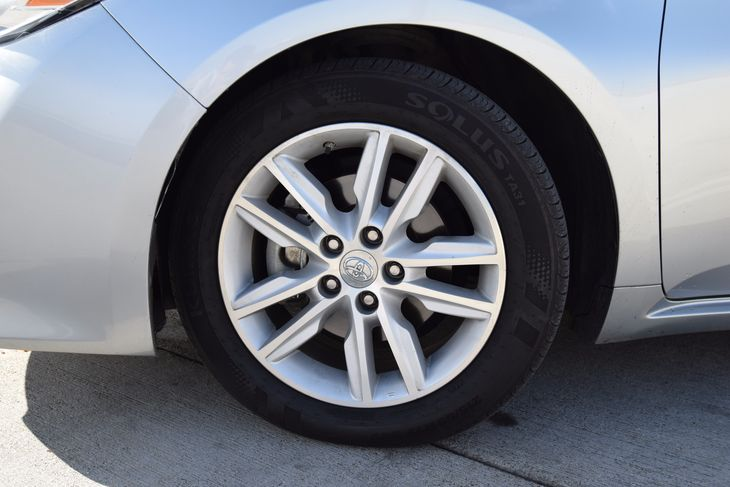 2015 Toyota Avalon XLE  Celestial Silver Metallic 23543 Per Month - On Approved Credit