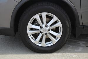 2014 Nissan Rogue SV Carfax 1-Owner - No AccidentsDamage Reported  Gray          20945 Per