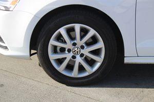 2015 Volkswagen Jetta Sedan SE PZEV Carfax 1-Owner - No AccidentsDamage Reported  Pure White