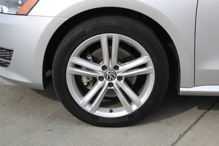 2015 Volkswagen Passat TDI SE  Reflex Silver Metallic 20945 Per Month - On Approved Credit