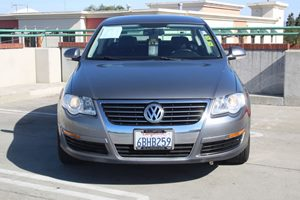 2007 Volkswagen Passat Sedan 20T Carfax Report - No AccidentsDamage Reported  United Gray