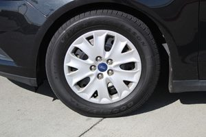 2013 Ford Fusion S Carfax 1-Owner - No AccidentsDamage Reported  Tuxedo Black Metallic