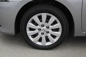 2014 Nissan Sentra S Carfax 1-Owner - No AccidentsDamage Reported  Gray 15748 Per Month - O