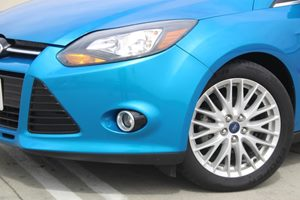 2014 Ford Focus Titanium Carfax 1-Owner - No AccidentsDamage Reported  Blue  We are not respo