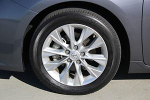 2014 Lexus ES 300h Base  Nebula Gray Pearl  We are not responsible for typographical errors Al