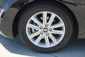 2015 Hyundai Elantra SE  Phantom Black 16268 Per Month - On Approved Credit      See our ent