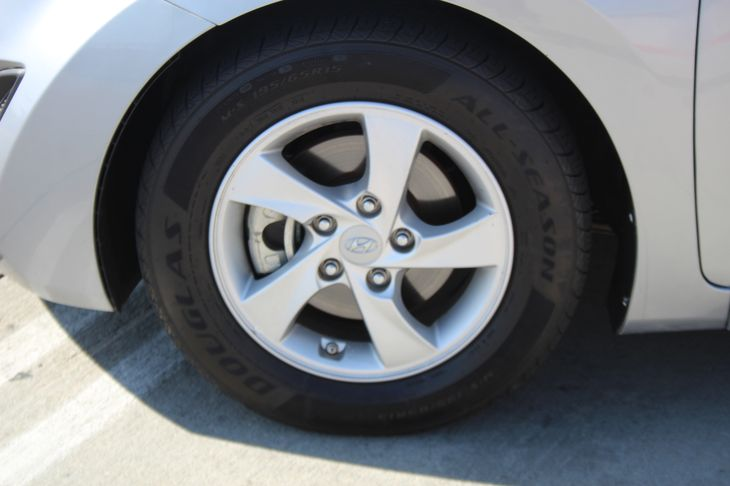 2015 Hyundai Elantra SE  Shale Gray Metallic 15472 Per Month - On Approved Credit      See o