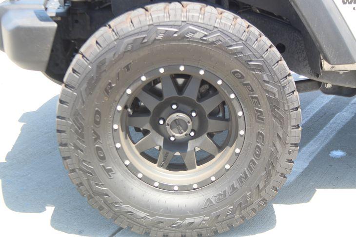 2011 Jeep Wrangler Unlimited Sport  Bright Silver Metallic TAKE ADVANTAGE OF OUR PUBLIC WHOLE