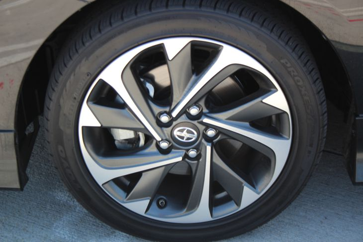 2016 Scion iM   Black Sand Pearl TAKE ADVANTAGE OF OUR PUBLIC WHOLESALE PRICING GOING ON RIGH