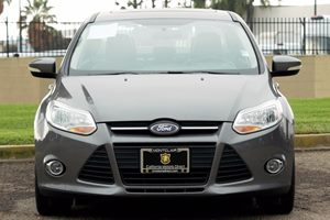 2014 Ford Focus SE Carfax 1-Owner - No AccidentsDamage Reported  Sterling Gray Metallic  We a