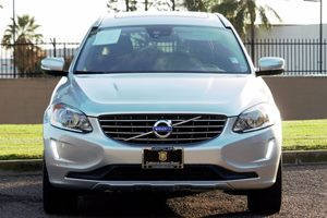 2015 Volvo XC60 T6 Drive-E Carfax 1-Owner - No AccidentsDamage Reported  Bright Silver Metalli