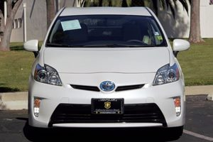 2014 Toyota Prius Three Carfax 1-Owner - No AccidentsDamage Reported  Super White  We are not