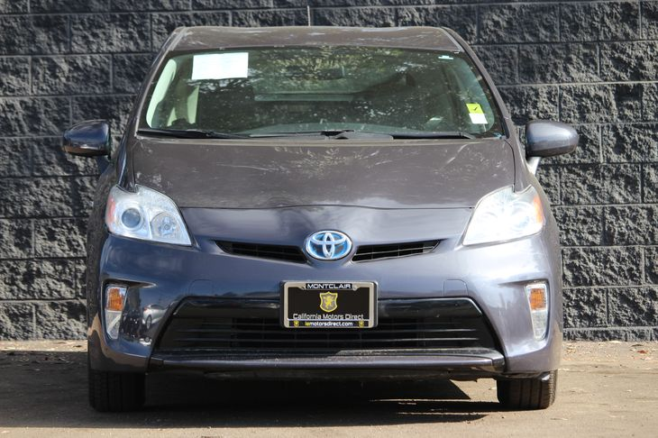 2014 Toyota Prius Two  Winter Gray Metallic All advertised prices exclude government fees and t