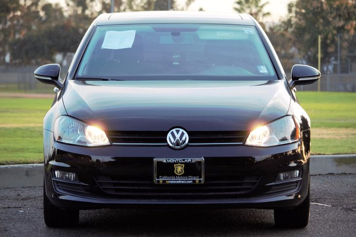 2015 Volkswagen Golf TDI SE  Black All advertised prices exclude government fees and taxes any