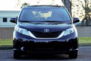 2016 Toyota Sienna LE 7-Passenger Auto Carfax 1-Owner - No AccidentsDamage Reported  Midnight