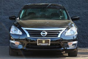 2015 Nissan Altima 25 S  Super Black  We are not responsible for typographical errors All pri