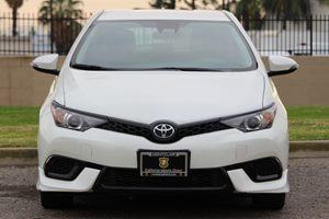 2017 Toyota Corolla iM Base Carfax 1-Owner - No AccidentsDamage Reported  White  We are not r