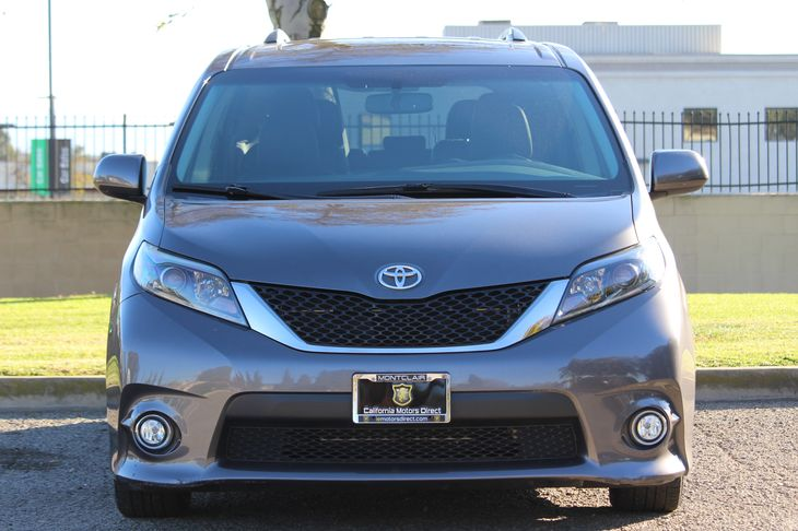 2015 Toyota Sienna SE 8-Passenger  Predawn Gray Mica All advertised prices exclude government f