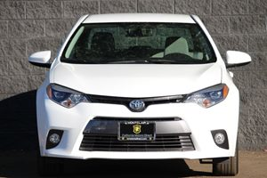 2015 Toyota Corolla LE  Super White  All advertised prices exclude government fees and taxes a