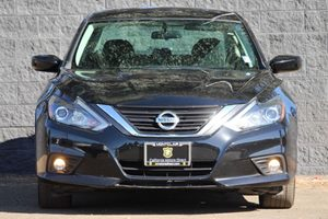 2016 Nissan Altima 25 SR Carfax 1-Owner  Super Black  We are not responsible for typographica