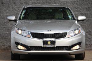 2013 Kia Optima EX Carfax Report - No AccidentsDamage Reported  Bright Silver Metallic  We ar
