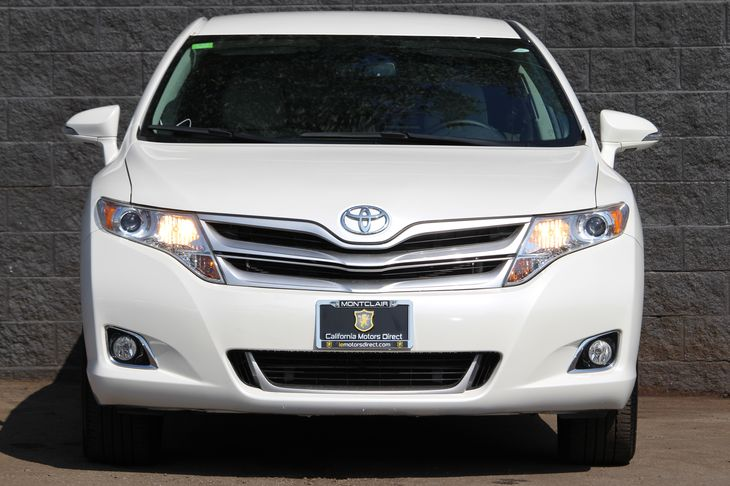2015 Toyota Venza LE  White All advertised prices exclude government fees and taxes any financ