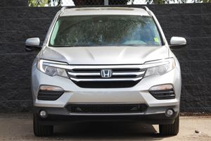 2016 Honda Pilot Touring Carfax 1-Owner  Lunar Silver Metallic  We are not responsible for typ