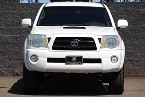 2007 Toyota Tacoma PreRunner V6  Super White  We are not responsible for typographical errors