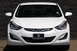 2015 Hyundai Elantra SE  Quartz White Pearl All advertised prices exclude government fees and t