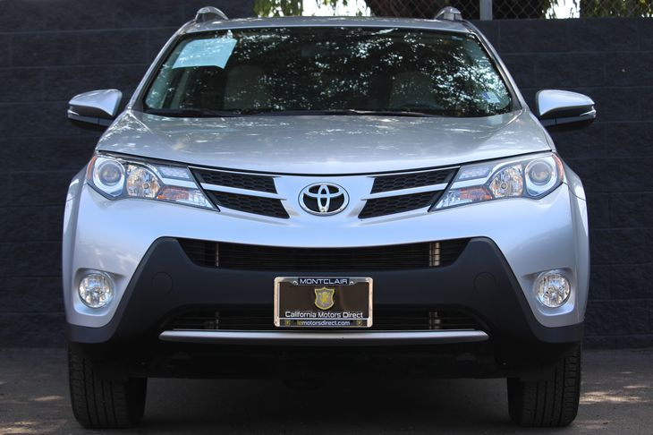 2015 Toyota RAV4 XLE  Classic Silver Metallic All advertised prices exclude government fees and