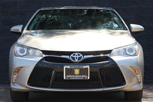 2015 Toyota Camry SE  Gold All advertised prices exclude government fees and taxes any finance