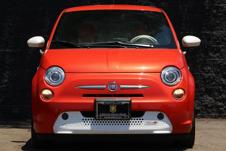 2015 FIAT 500e Base  Electric Orange Tri-Coat Pearlco DONT MISS OUT ON OUR SALES GOING ON