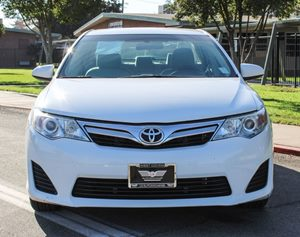 2014 Toyota Camry LE Carfax 1-Owner - No AccidentsDamage Reported 2014 Model Year Air Condition