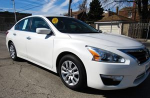 2013 Nissan Altima 25 S 6-Way Pwr Driver Seat  4-Way Manual Passenger Seat Audio  Cd Player A