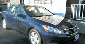 2008 Honda Accord Sdn LX-P 2 12V Pwr Outlets Convenience  Automatic Headlights Convenience