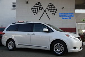 2016 Toyota Sienna XLE Carfax Report Audio  AmFm Stereo Audio  Auxiliary Audio Input Audio